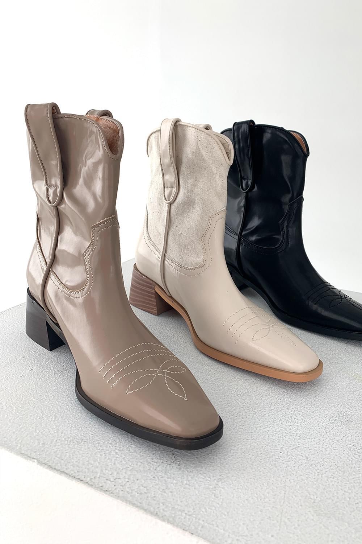 Stitch point western Boots