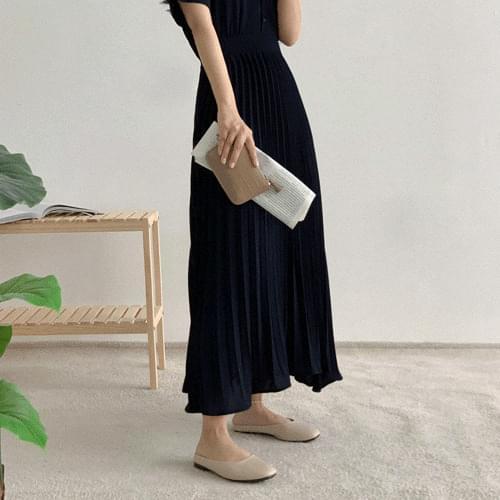 Glue Pleats Long Dress