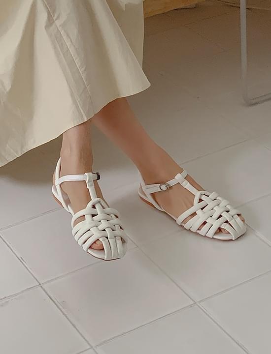 cushion strap sandals