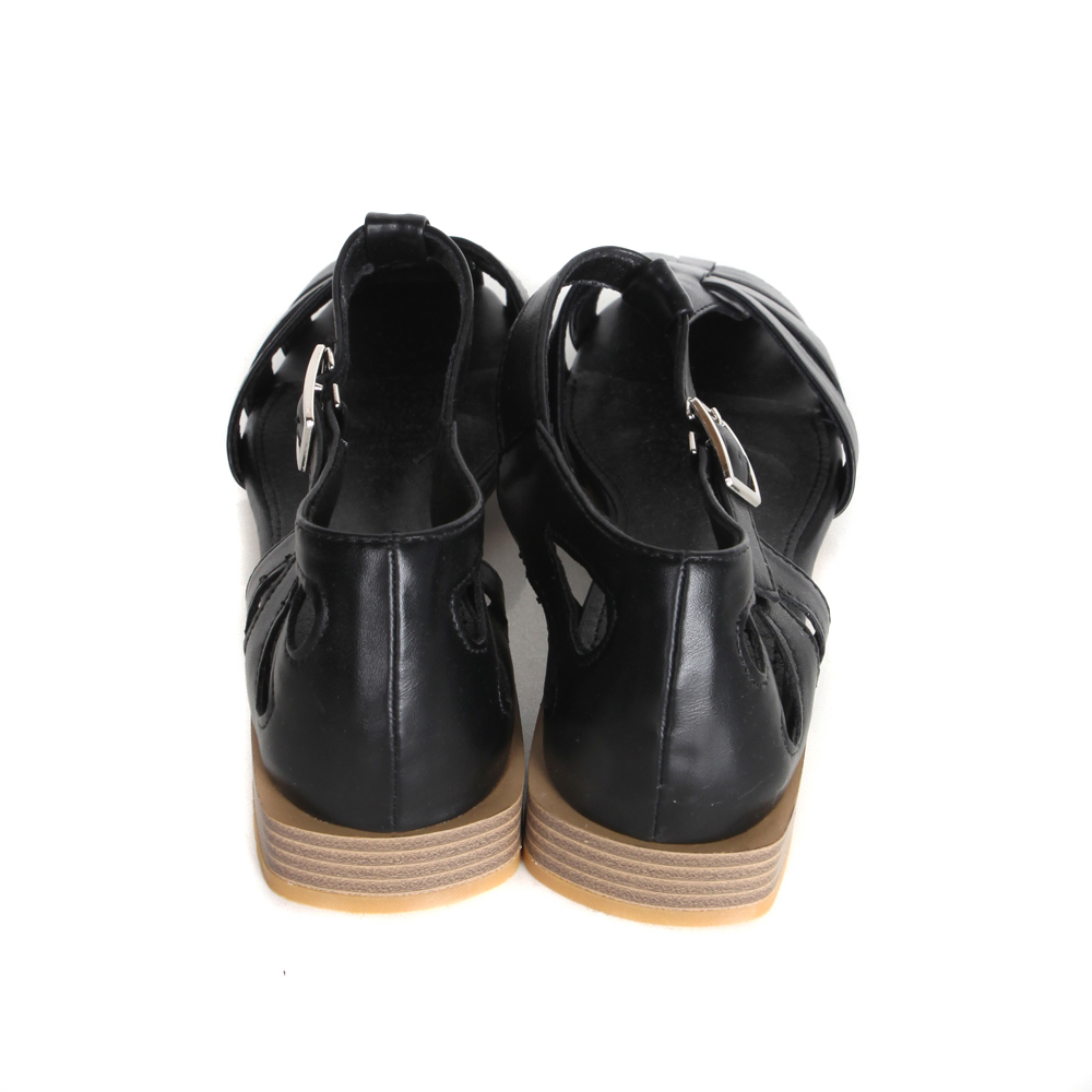 Corbuckle Sandals
