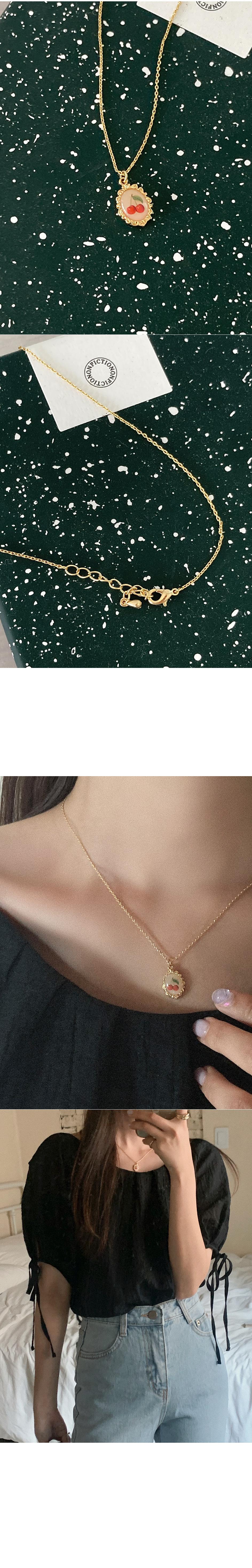 Jejeddy Cherry Necklace