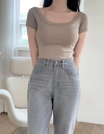 Zed Deep V-Neck Short Sleeve T-shirt