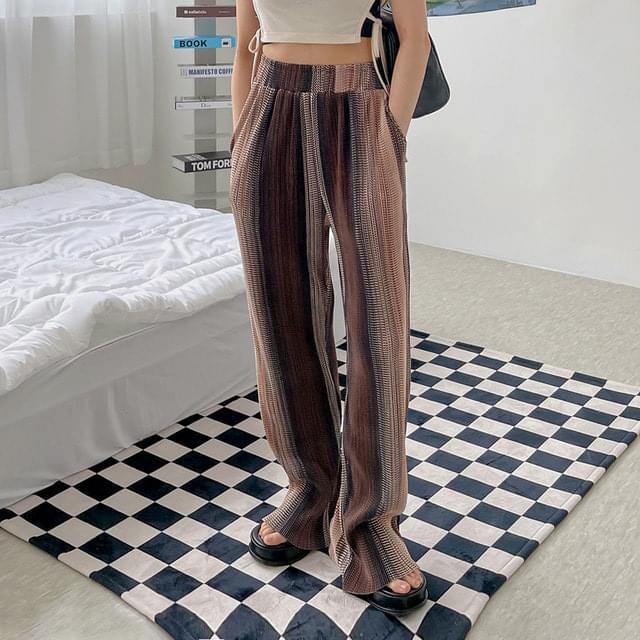 Hersheyed Pattern Pleated Banding Trousers