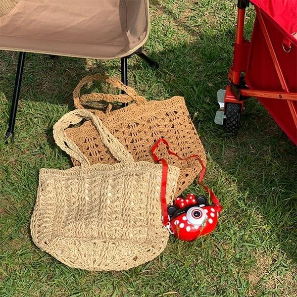 Traveler rattan bag