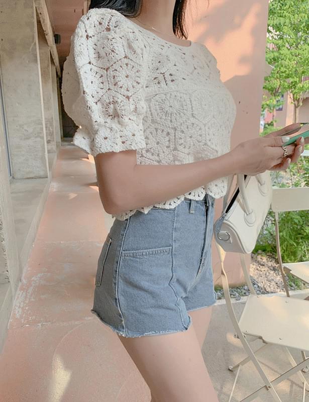print knit puff blouse