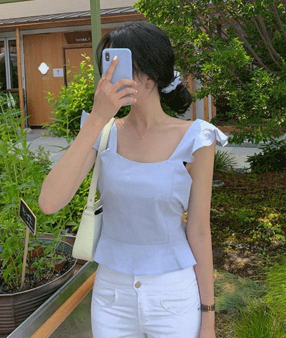 Pudding frill Sleeveless blouse