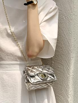 quilted chain mini crossbody bag