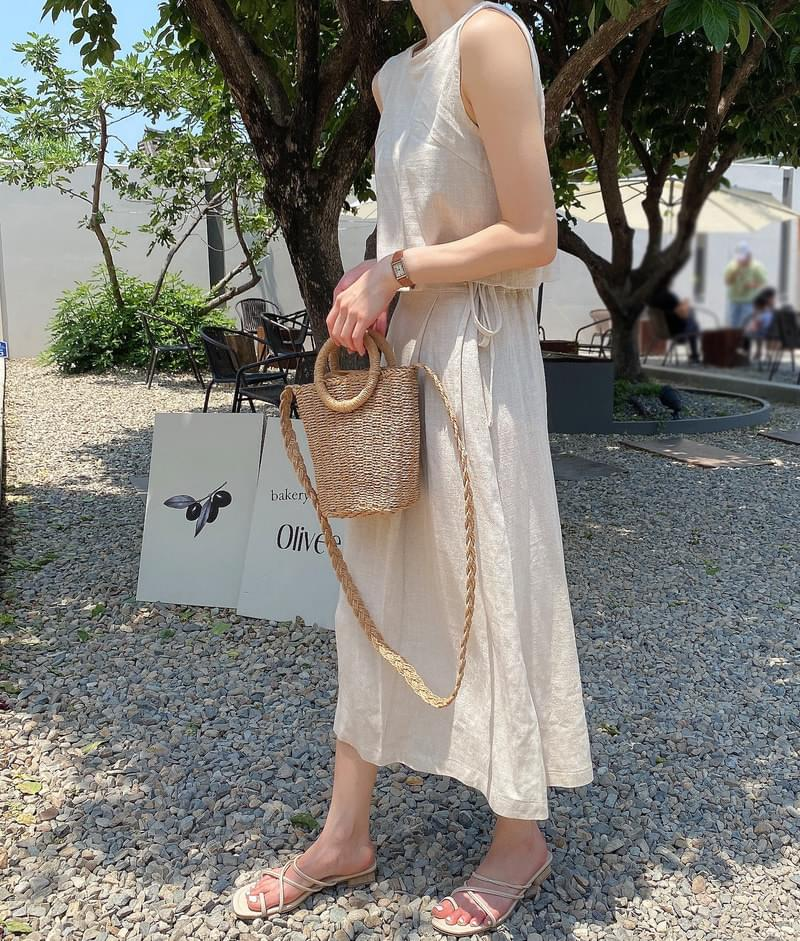 Bagel side pleated skirt