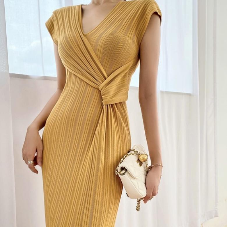 Looney V Neck Knitwear Knotted Slim Dress