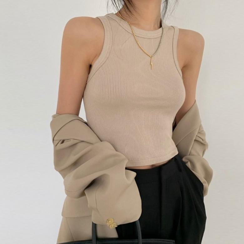 Xenia Basic Chic Round Sleeveless Ribbed