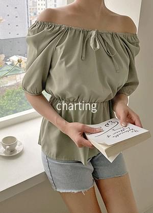 Charting two-way off-the-shoulder ribbon banding blouse