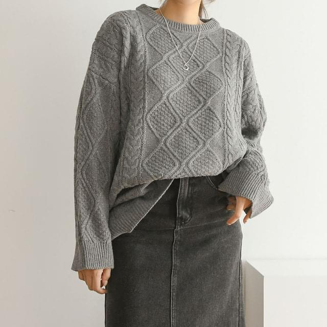 Classic Round Neck Embo Twisted Knitwear