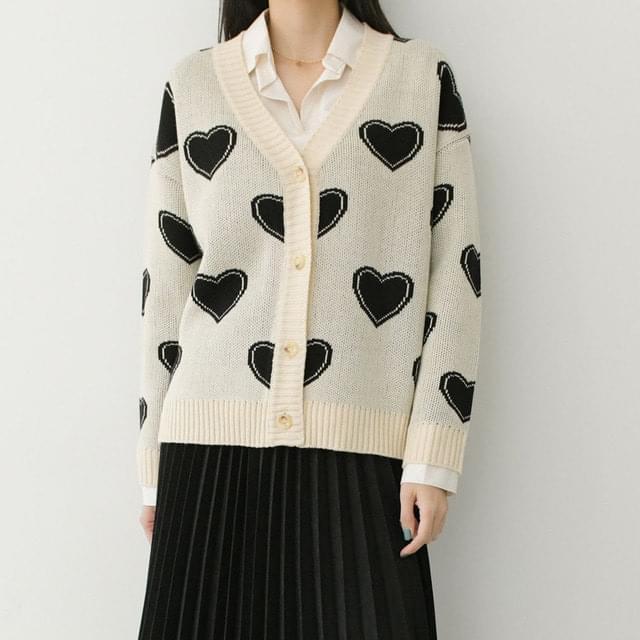 Heart V-Neck Knitwear Cardigan