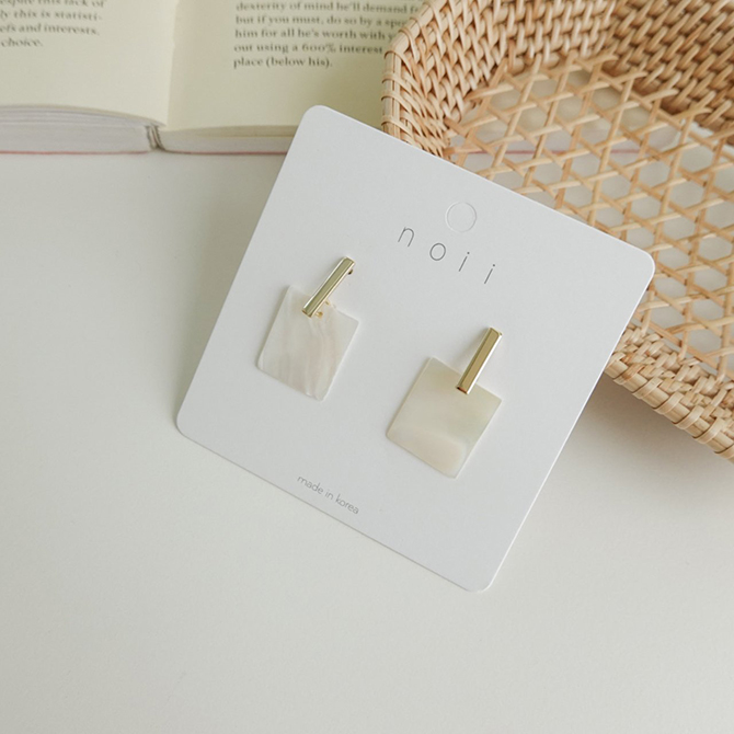 Clijua square mother-of-pearl nickel-free needle earrings