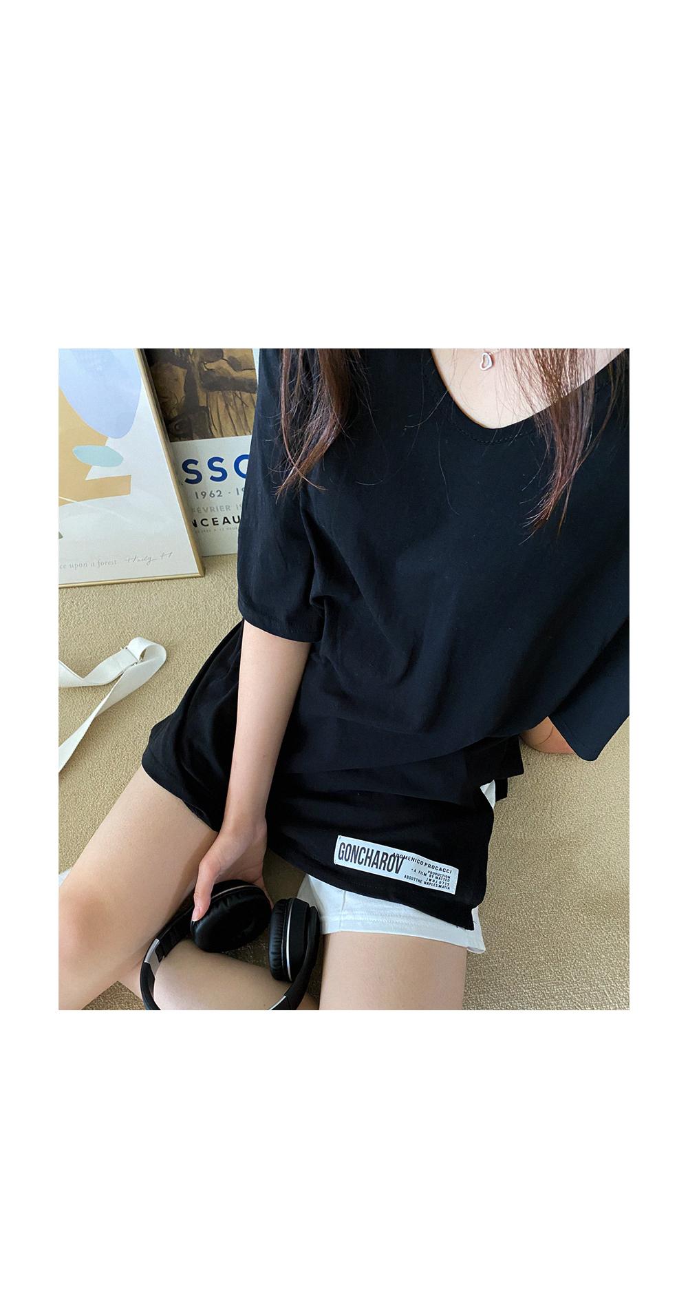 55-99 Crispy Patch Overfit V-Neck T-shirt