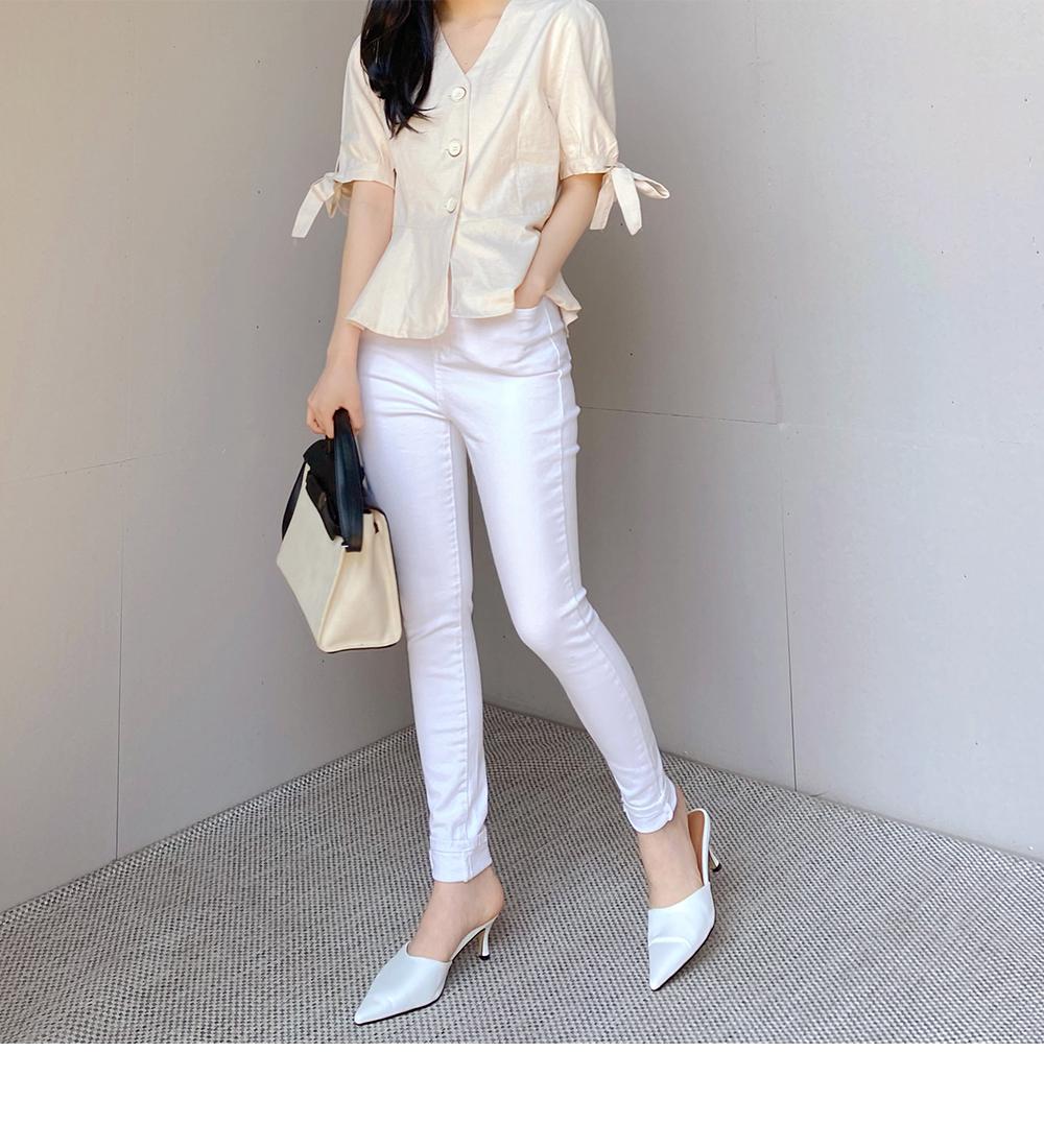 Somi V-Neck ribbon blouse