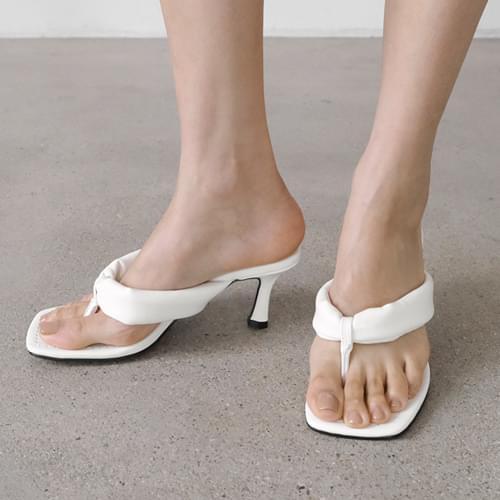 Shiloh ripple mules slippers