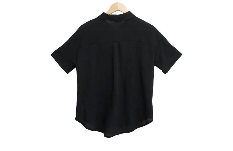 Shine see-through pleated shirt