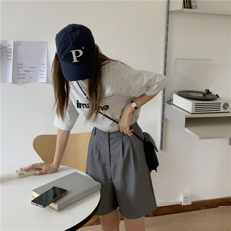 pt4934 Portia Two Pin Tuck Half Pants