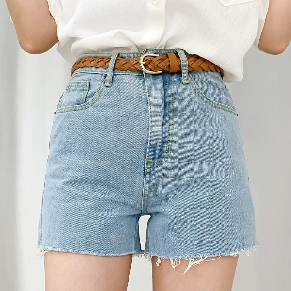 Lily Part 4 Cut Short Pants