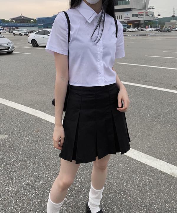 Momo Crop Banding Short Sleeve Shirt