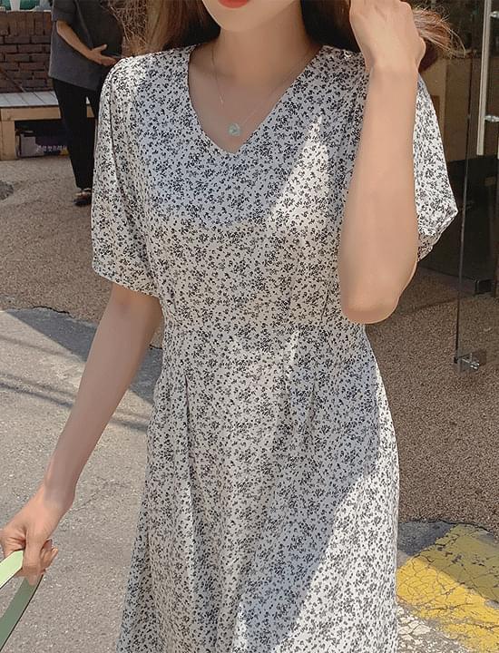 gray gemstone necklace