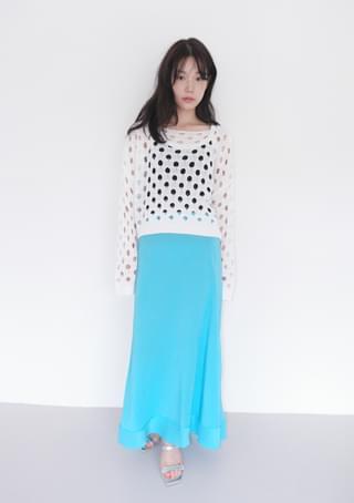 slight wrinkle color skirt