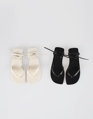 Casper Strap Flip Flops