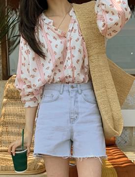 Ethnic flower balloon blouse