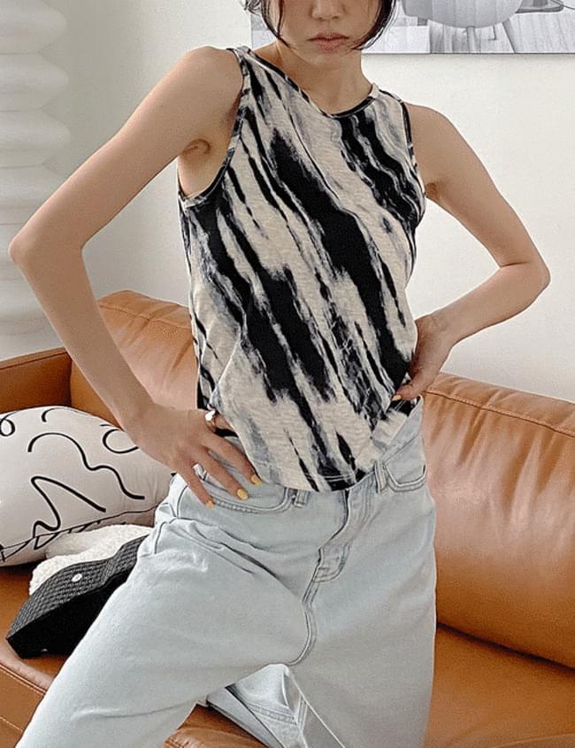 Thunder tie-dye sleeveless