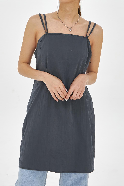 Back strap Sleeveless or Dress