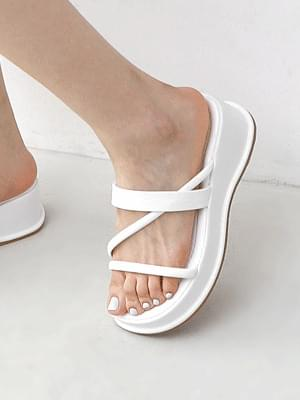 Oblique strap platform whole-heel slippers 11012