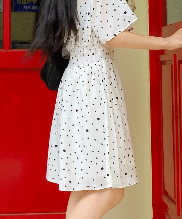 Buttering dot wrap Dress