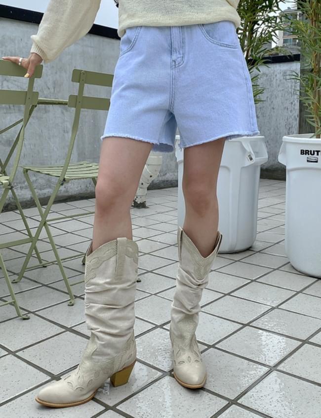 no.5468 olteun Light Blue Shorts