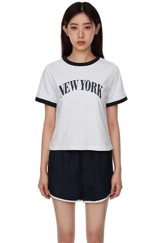 New York color lip T-shirt