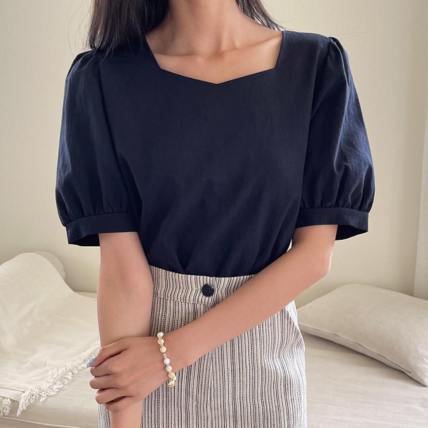 Erin puff linen blouse