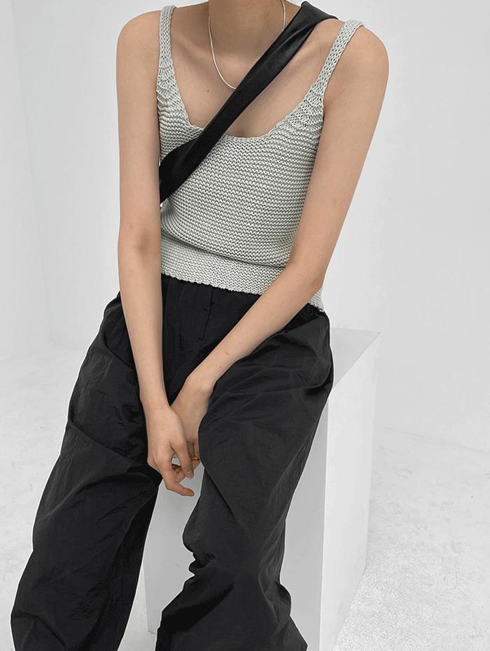 Kanen Sleeveless Knitwear