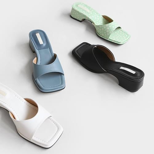 deltoa strap mules slippers