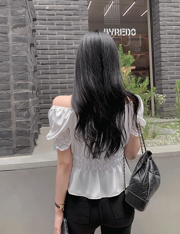 flood shirring short sleeve blouse