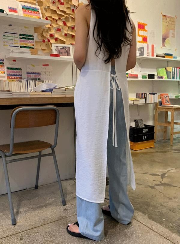 Lamy back slit Dress