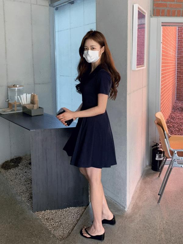 PK pleated Dress 及膝洋裝