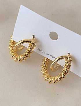 Meldy gold twisted earrings Unique twisted design :D