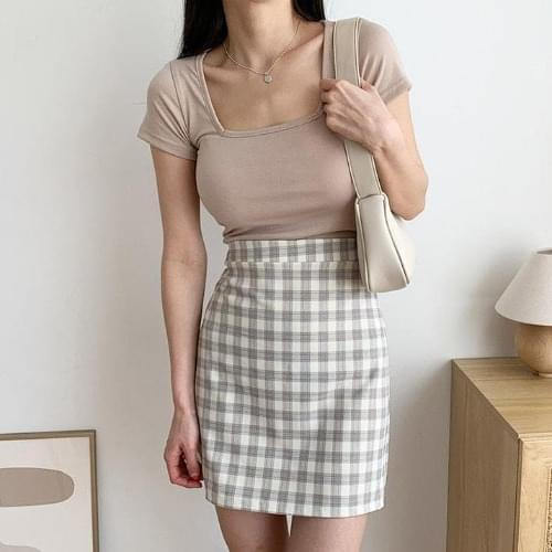 Four-key square-neck cropped short-sleeved T-shirt