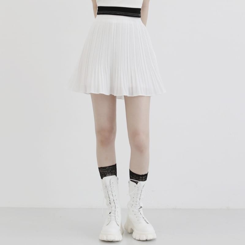whistle pleated mini skirt