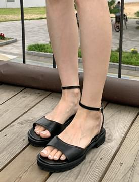 mini chunky round leather sandals