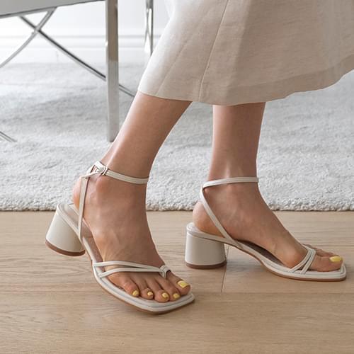 tee-strap sandal heels