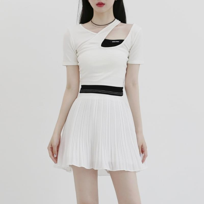 Roulette color matching halter cropped T-shirt