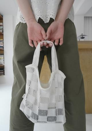 checker knit tote bag