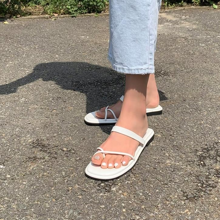Spare strap slippers