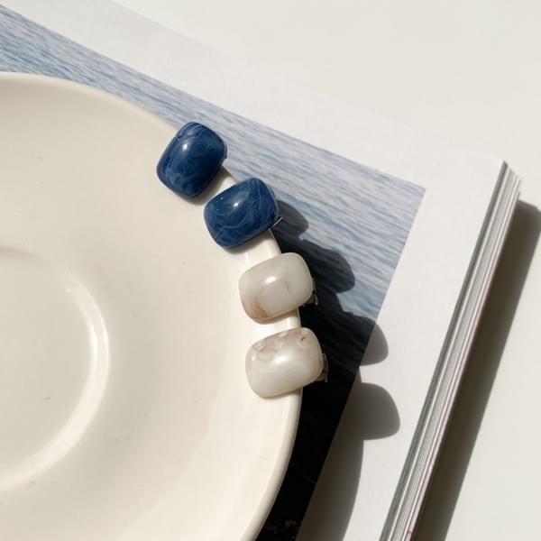 Nyx Mini Square Homaika Earrings